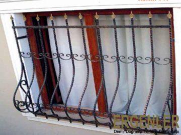 ergenler-pencere-cam-korkuluk-demiri-4